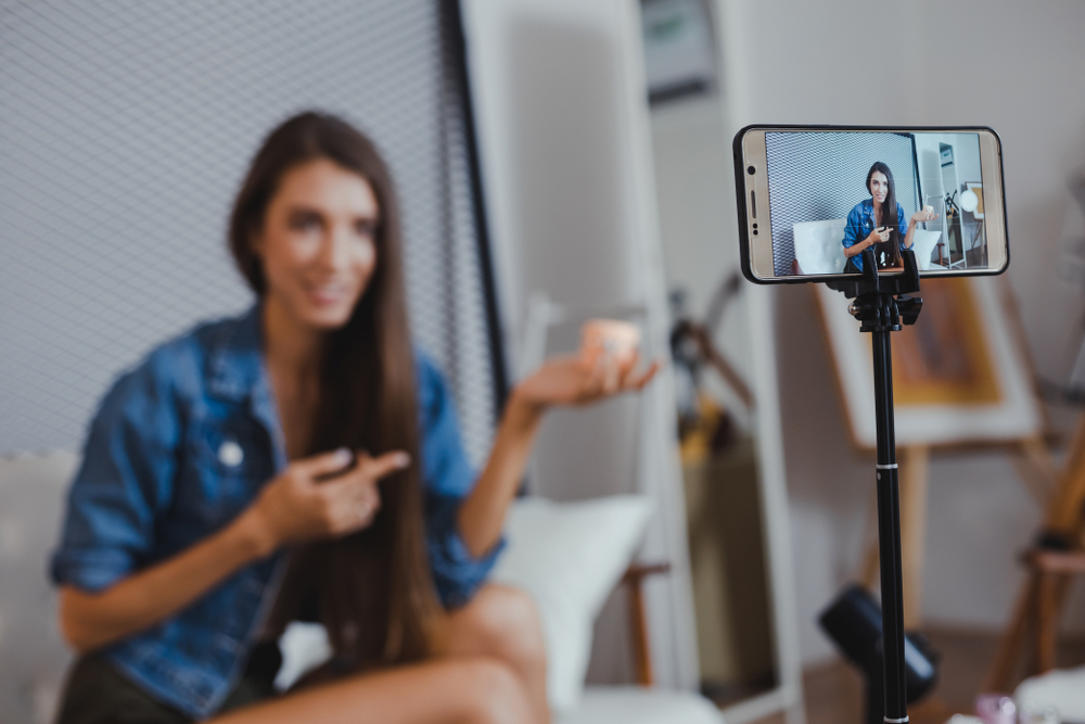 Social media Influencers & retouched photos